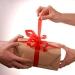 Как преподнести красиво серьги в подарок